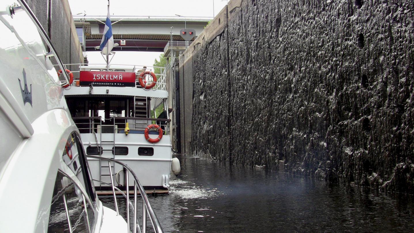 The lock of Mälkiä in Saimaa canal