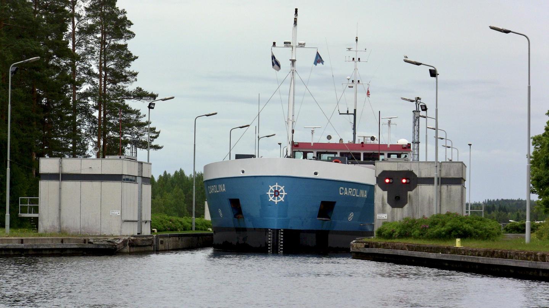 Laiva Carolina Saimaan kanavalla