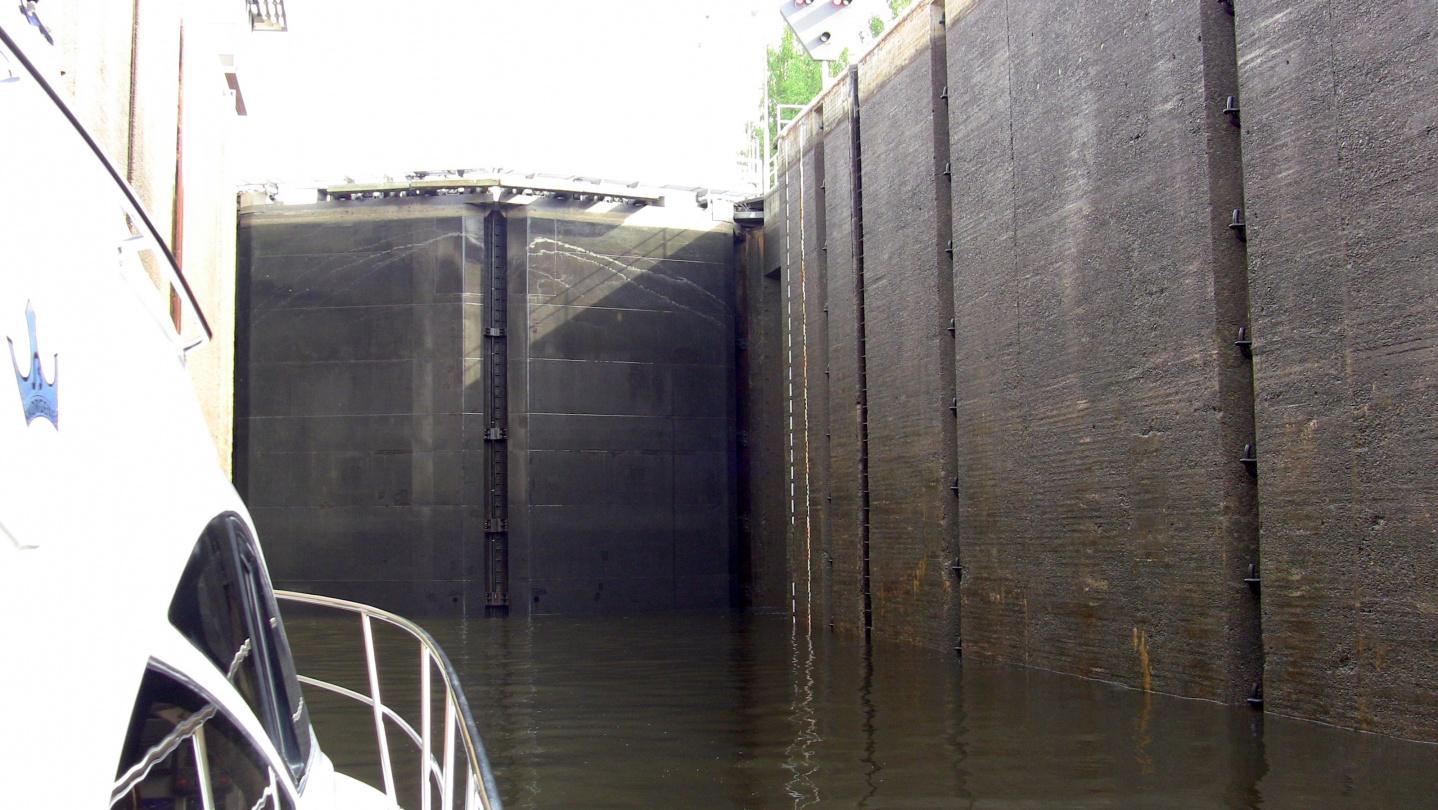 Lock in the Saimaa canal