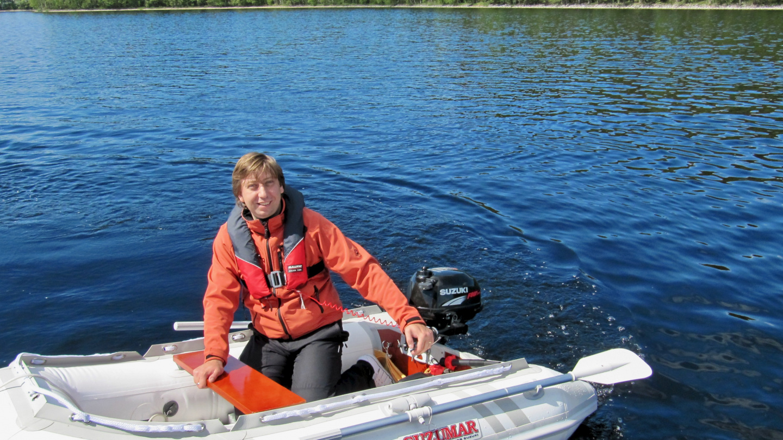 Andrus having fun in Pikku Suwena in Haukivesi