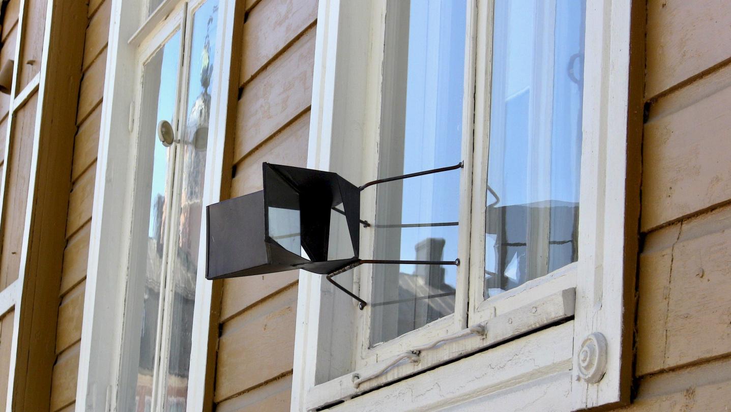 Gossip mirror in Porvoo