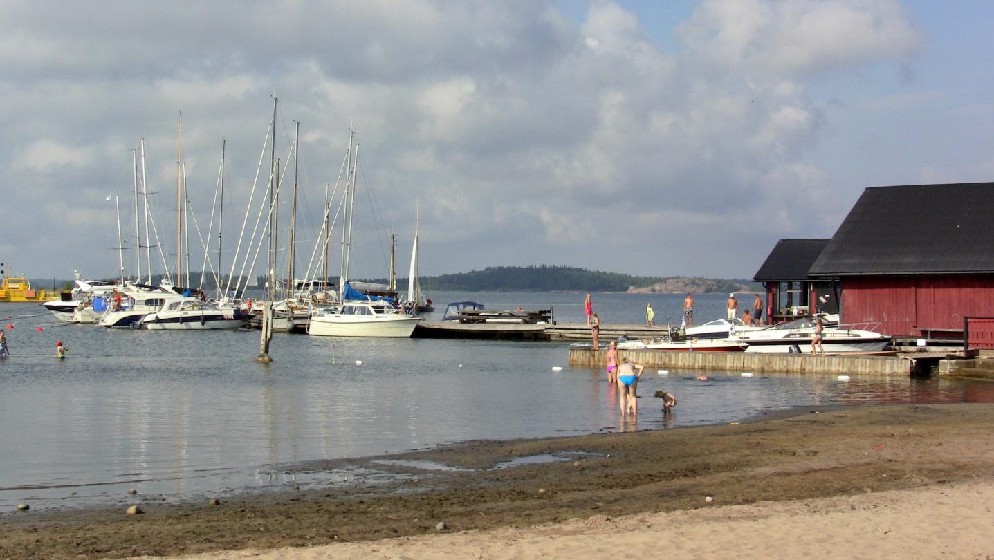 The village harbour of Högsåra