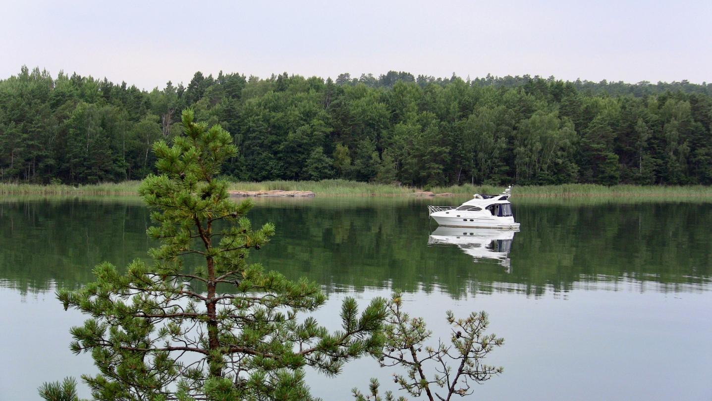 Suwena anchored in Archipelago Sea