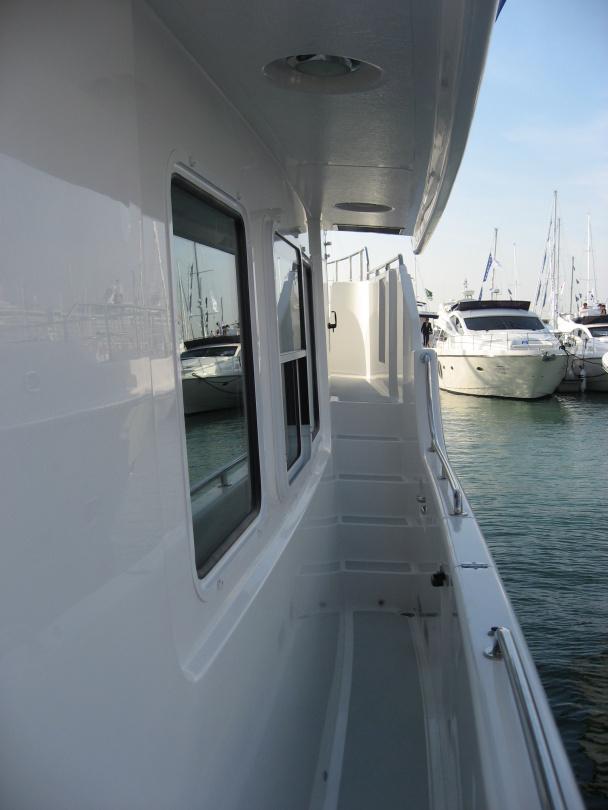 Nordhavn 47 side deck