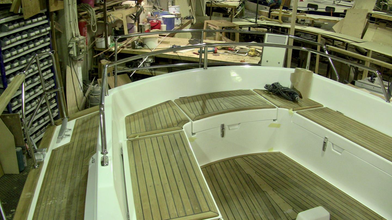 Aft deck railing