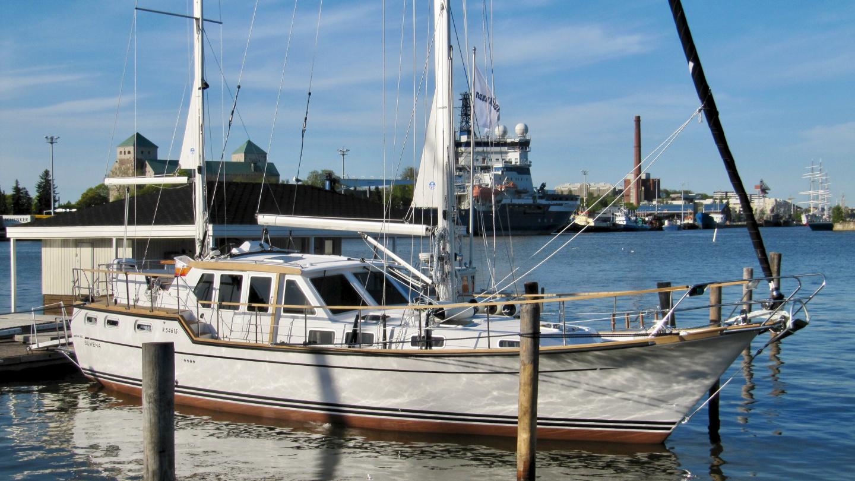 Suwena at the Nauticat's dock