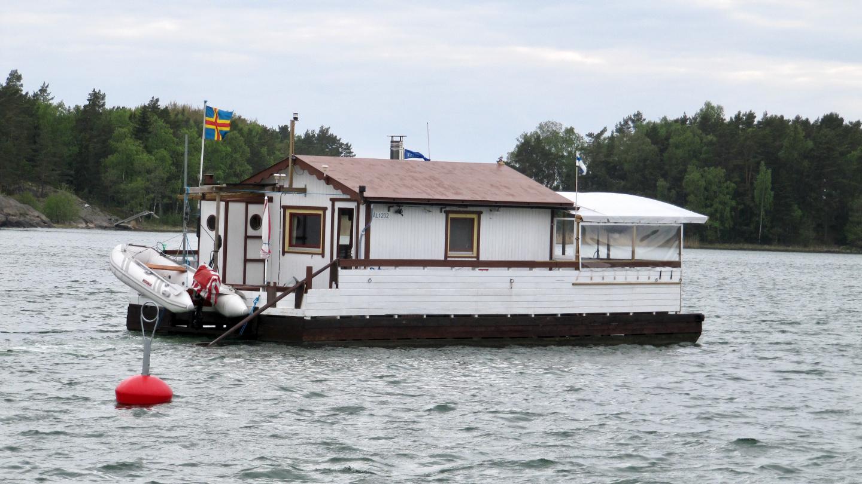 Houseboat from Åland in Verkan