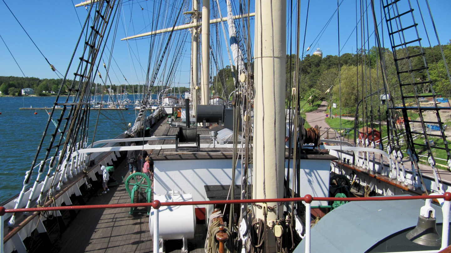 Deck of the sailing ship Pommern
