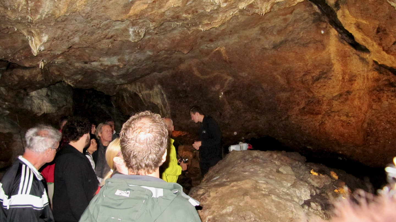 Guided tour in Lummelunda caves