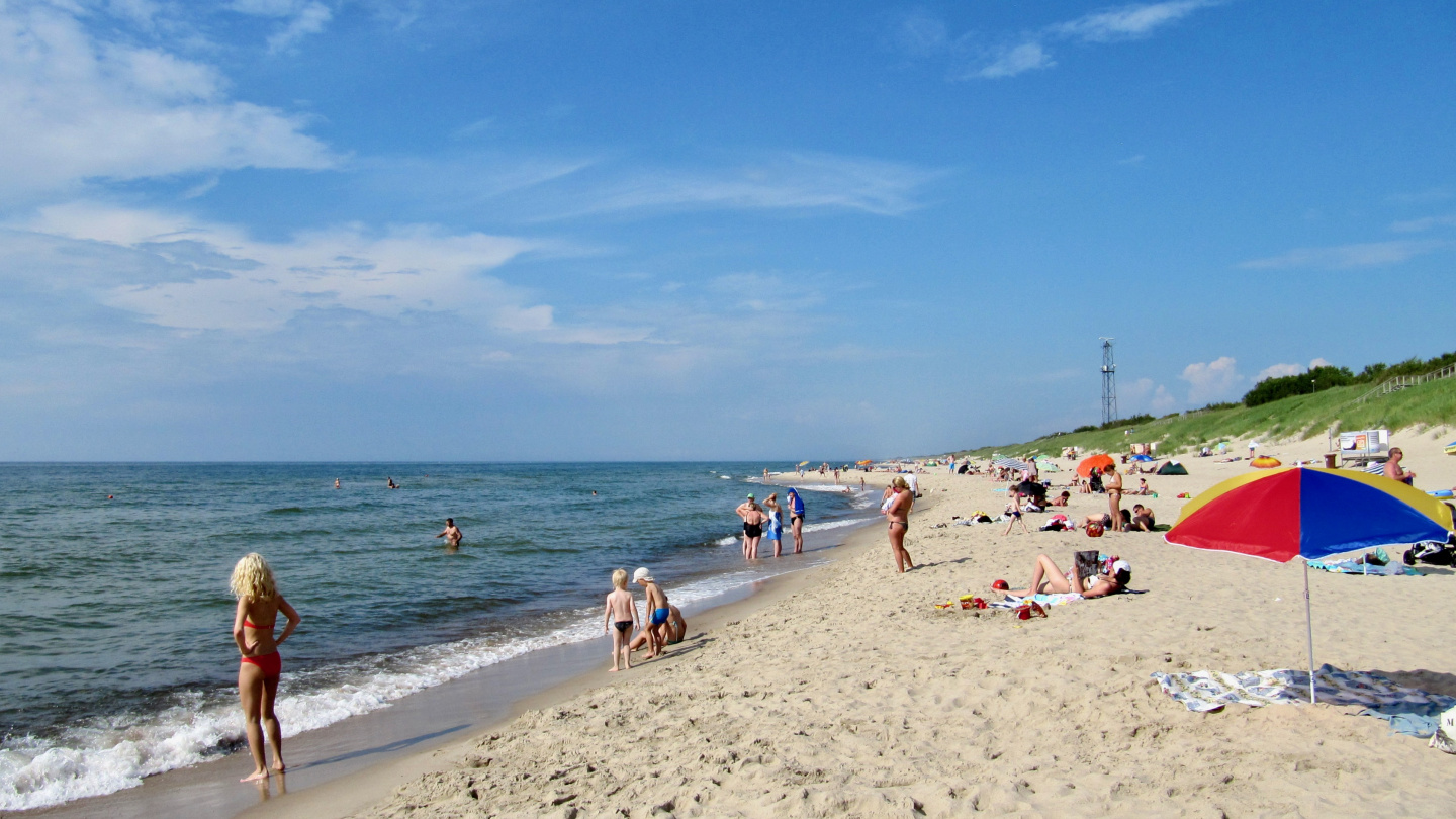 The sand beach on the Baltic Sea side of Nida