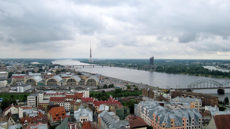 Daugava joki eli Väinäjoki Riiassa