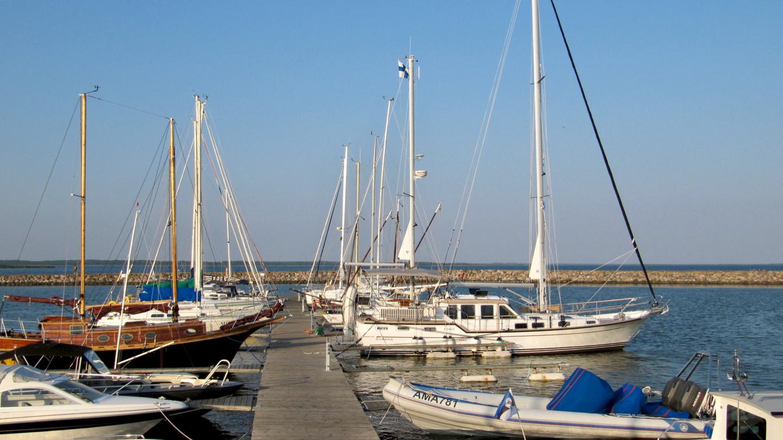 Suwena in Roomassaare harbour