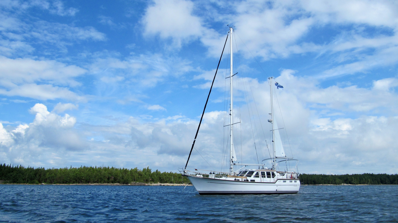 Suwena anchored in the bay of Svartviken by Pirttisaari island