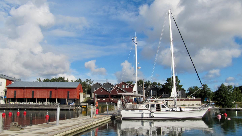 Suwena yksikseen Korpoström marinassa