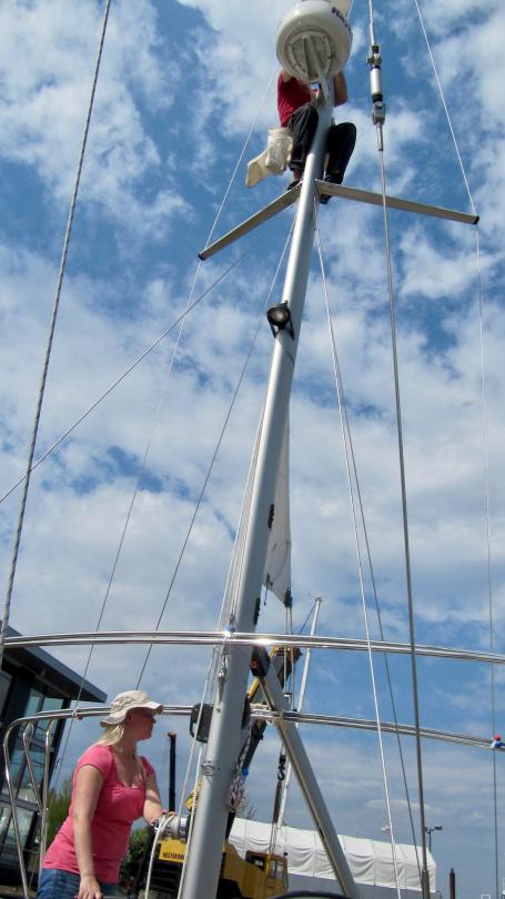 Eve lifting Andrus aloft into mizzen mast