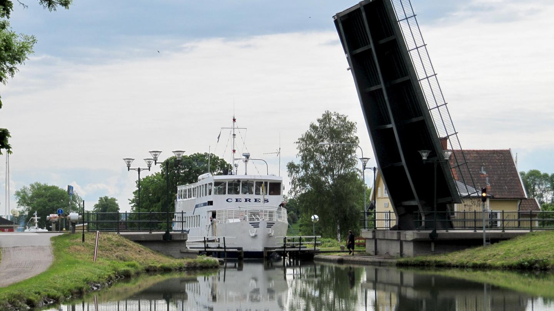 Ship in Berg's upper lock