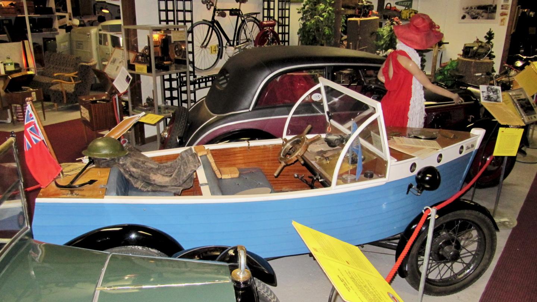 Amphibian car Blue Peter in the Motala Motormuseum