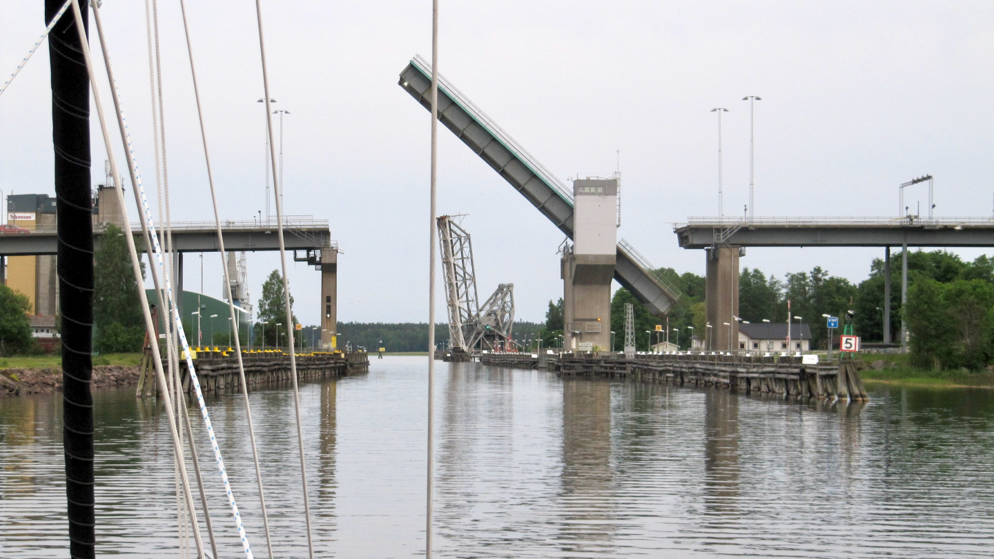 Dalbo bridge and railway bridge in Vänersborg