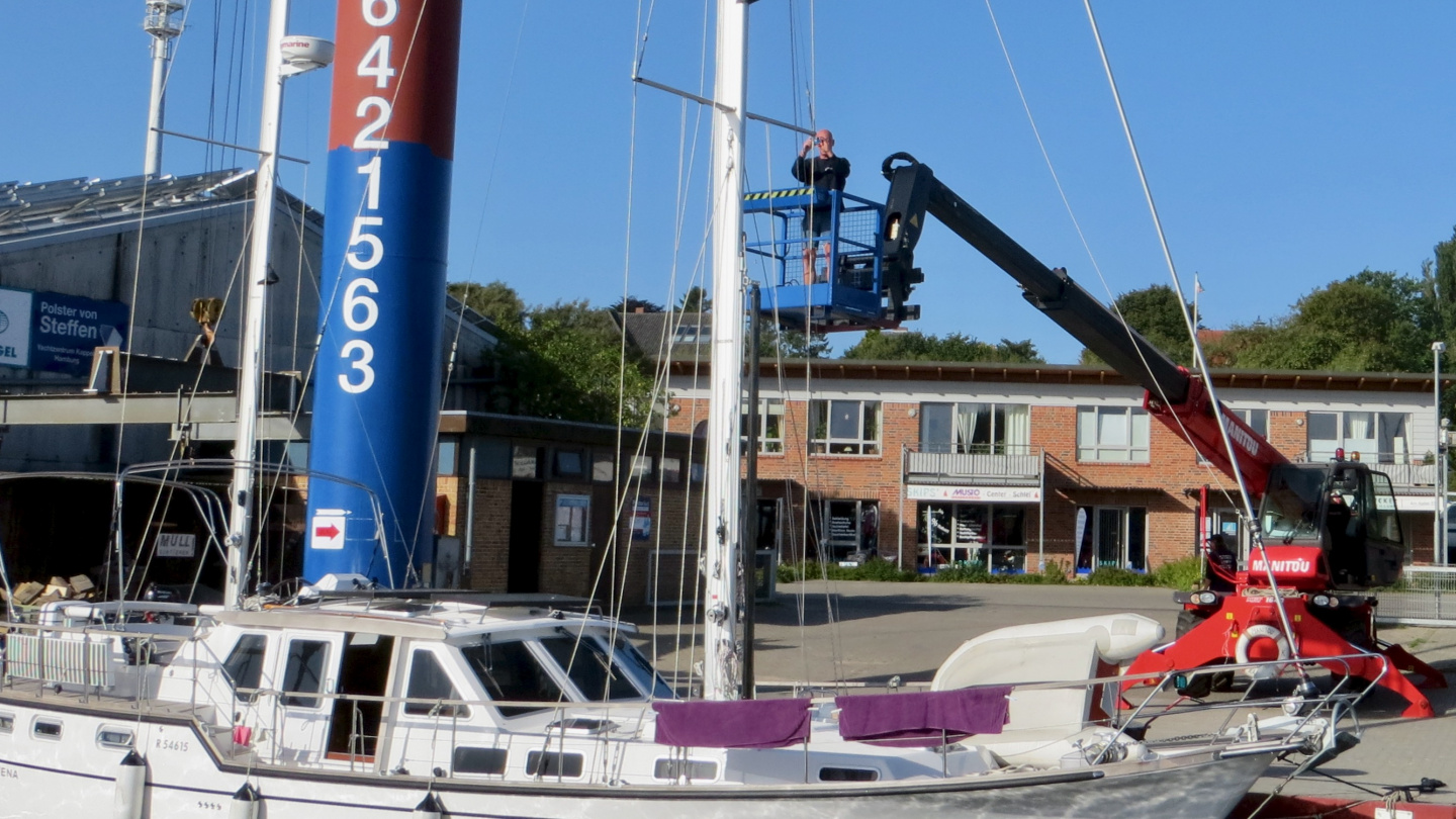 Harbourmaster Ulrich is inspecting the rig of Suwena in Kappeln