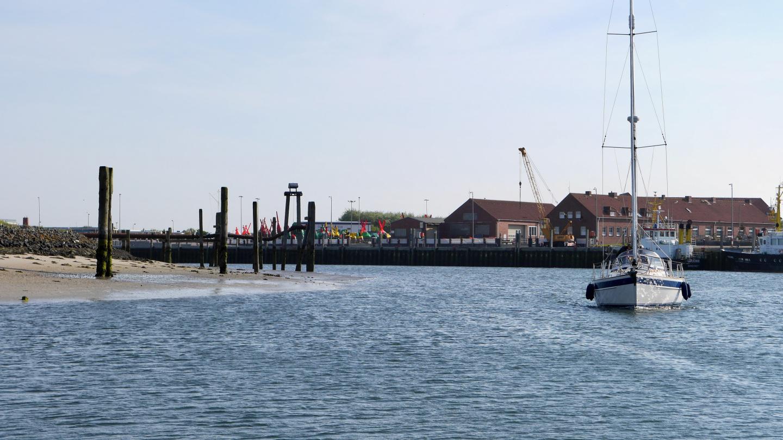 Norderneyn harbour at low water