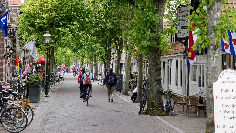 The main street of Oost-Vlieland village