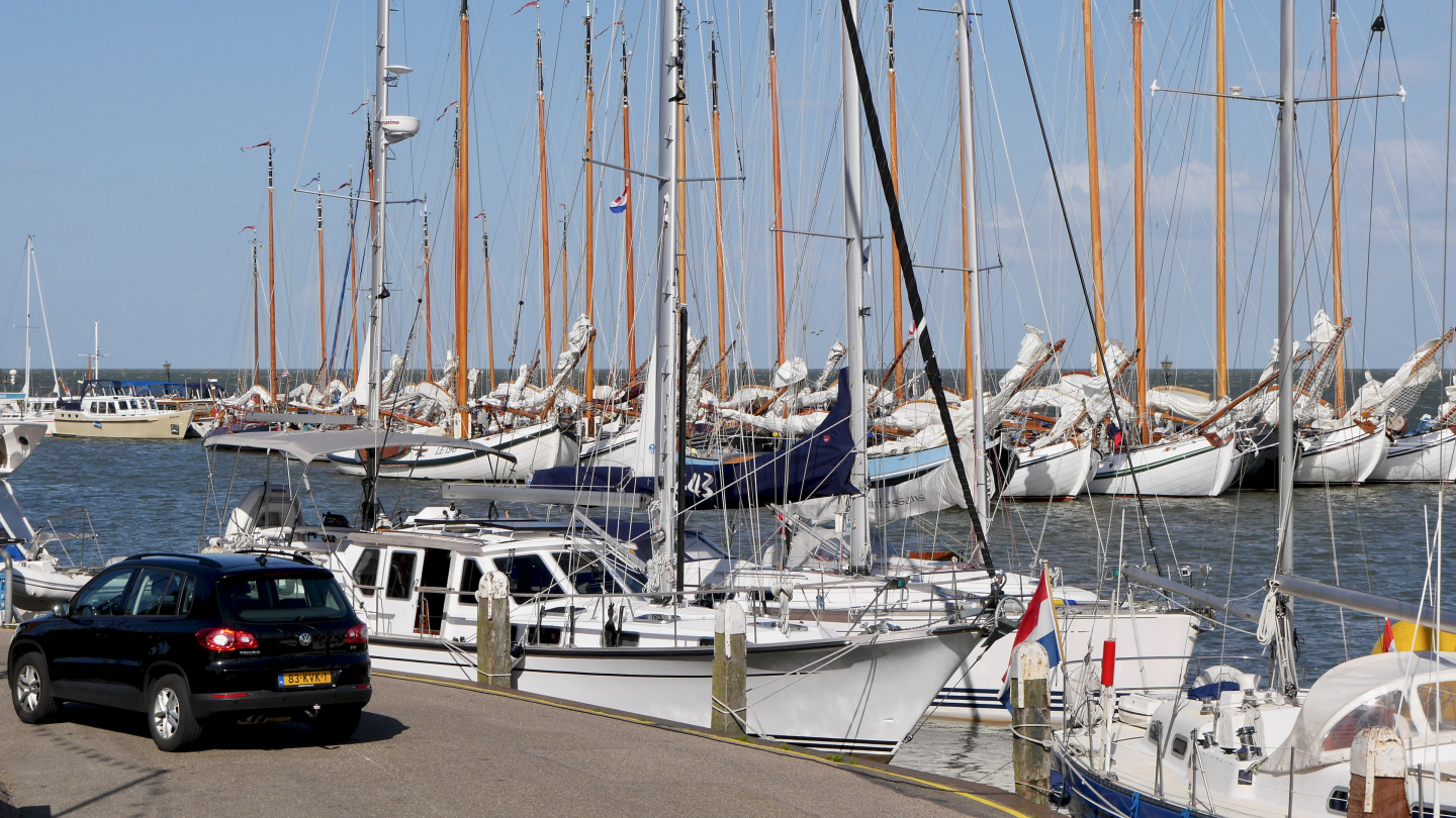 Suwena at the quay of Volendam
