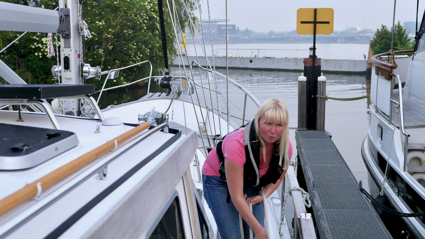 Eve preparing for a departure in Sixhaven marina of Amsterdam