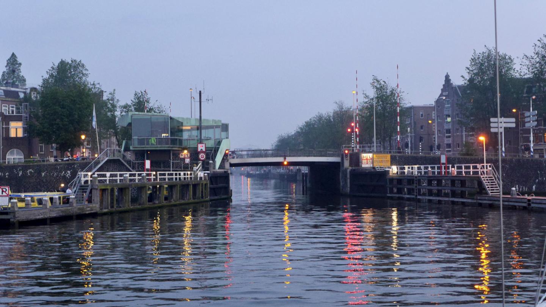 Staande mast reitin eka silta Singelgrachtbrug