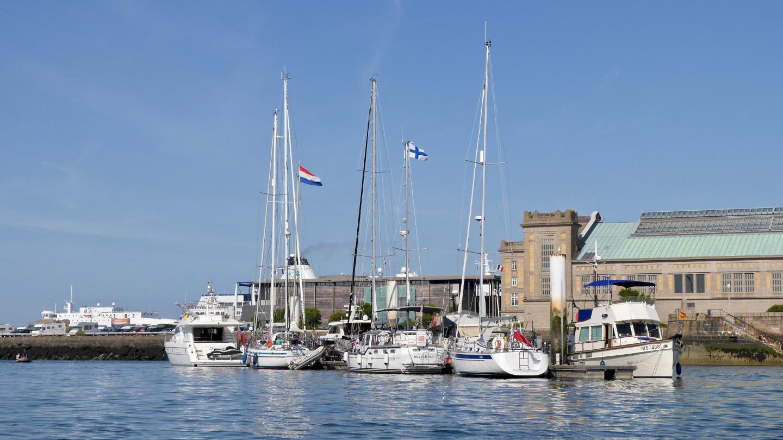 Suwena at the waiting pontoon of the Cherbourg marina