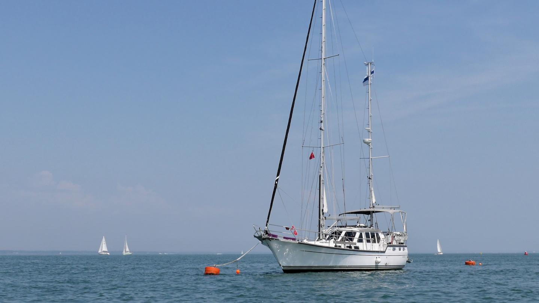 Suwena on the mooring buoy in Yarmouth