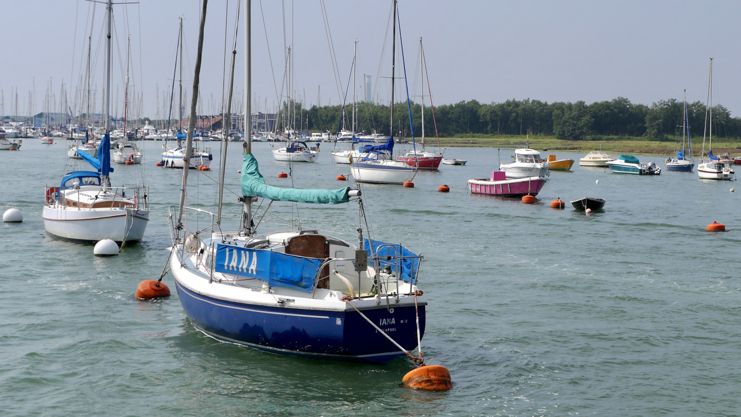 Fore and aft mooring on the river Hamble