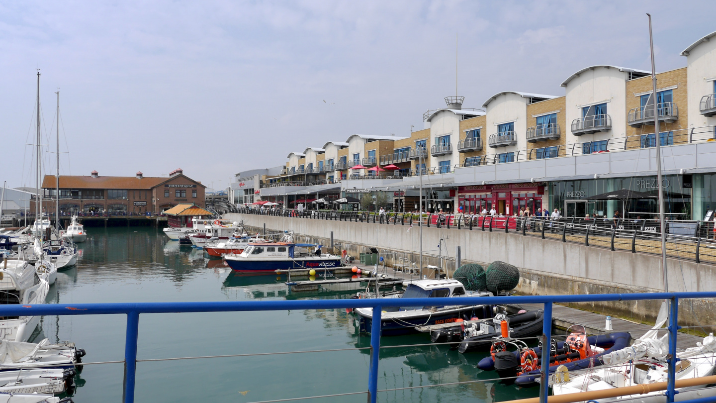 Restaurants in the Brighton Marina Village