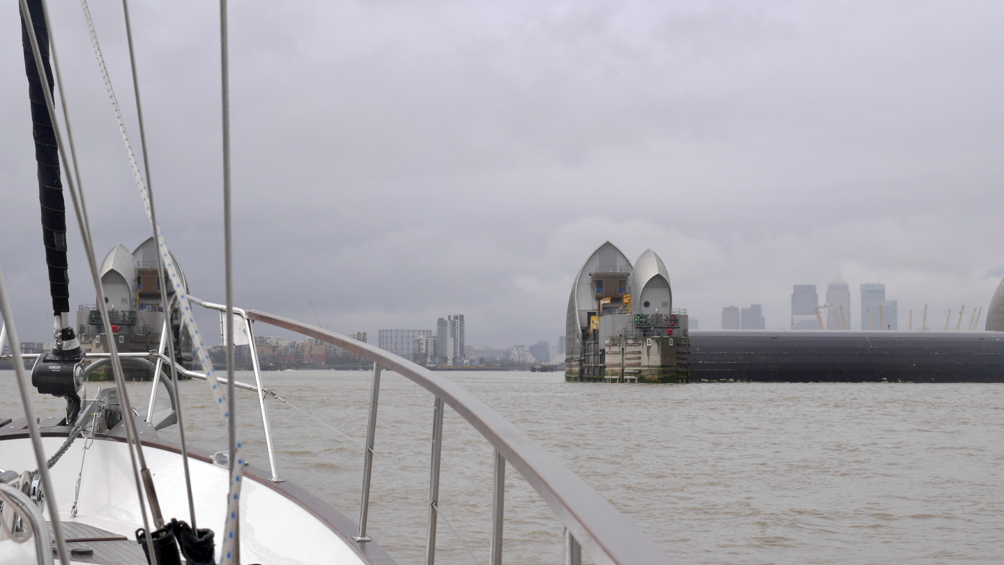 Suwena passing the Thames barrier