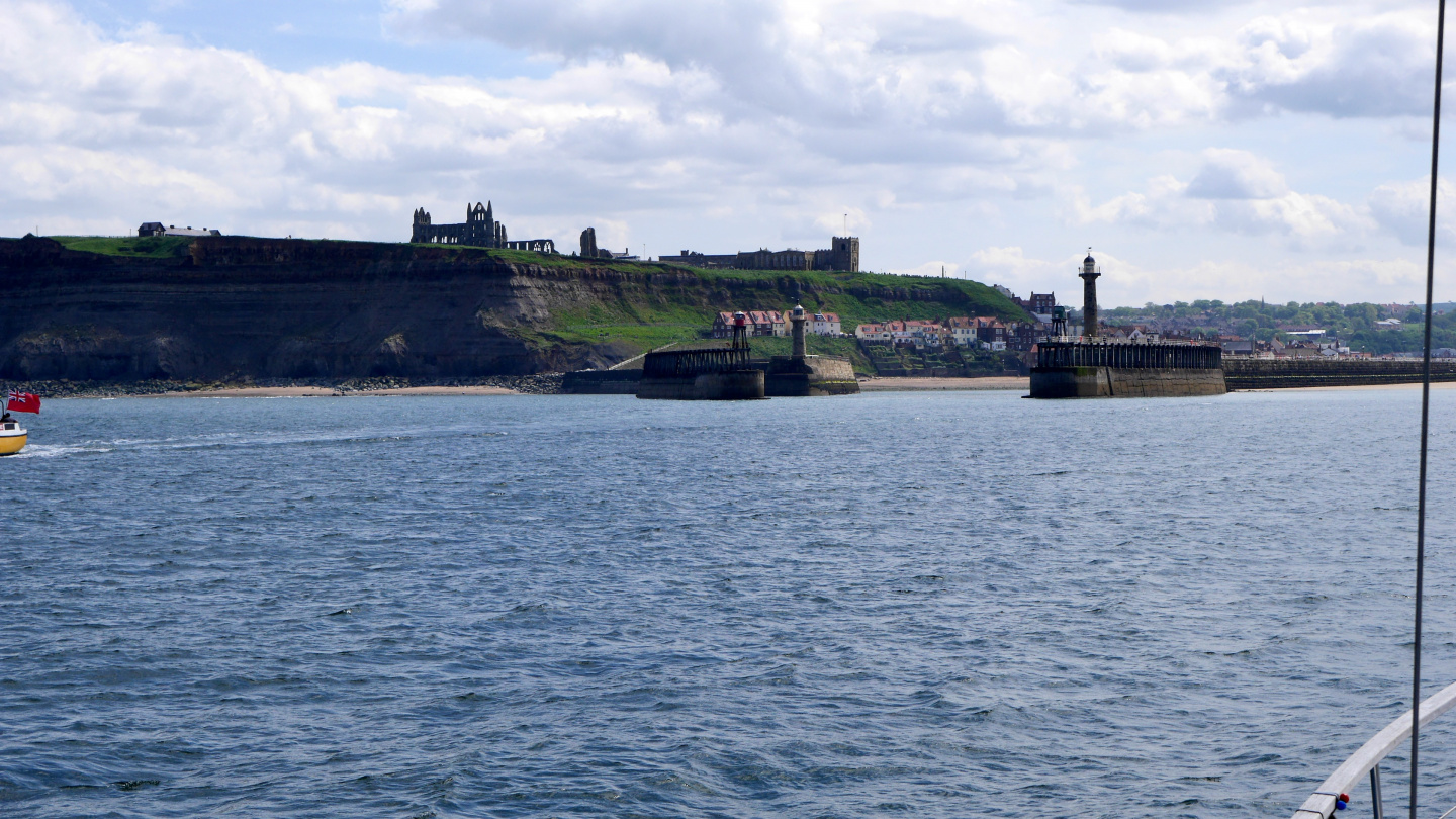 Suwena arriving to Whitby harbour