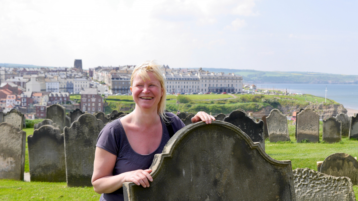 Eve looking for Dracula at the graveyard in Whitby