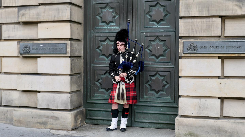 Säkkipillisoittaja Edinburghissa