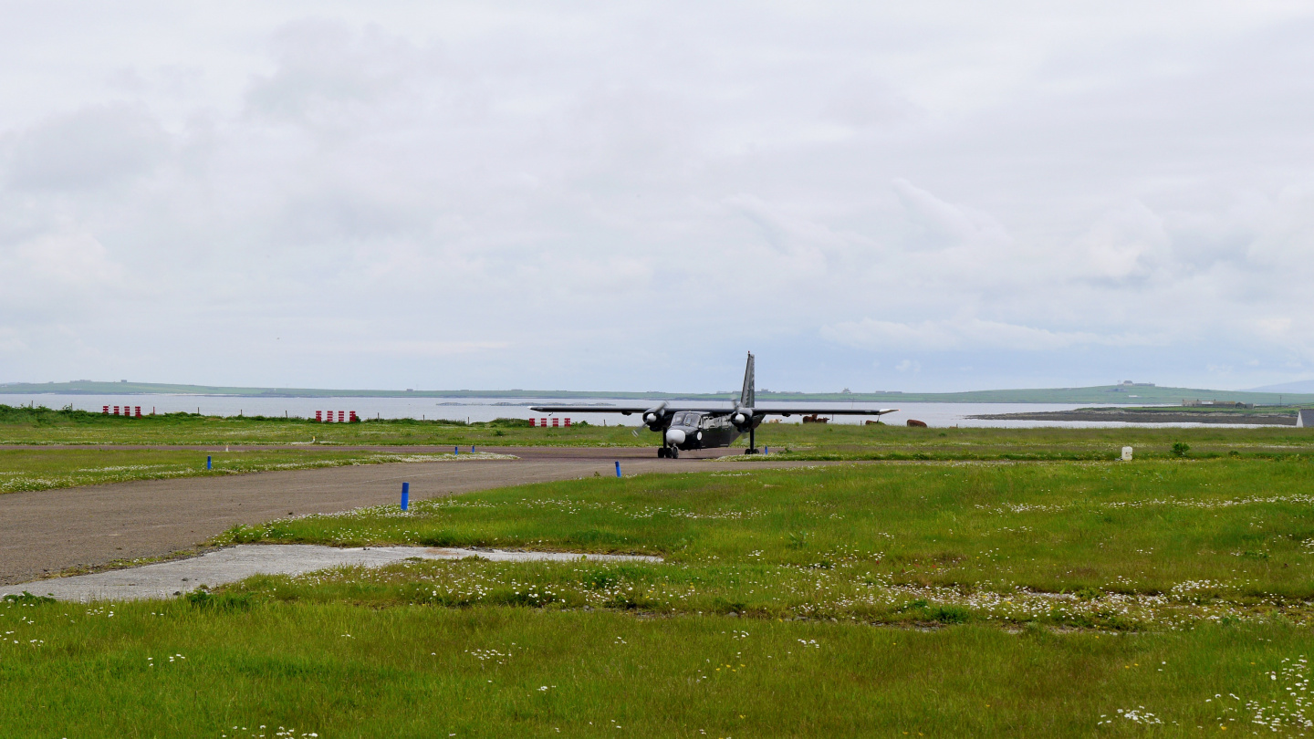 Loganair Islander taxing on Westray