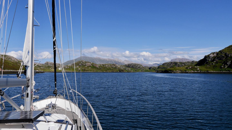 Suwena Loch a' Chadh-fi vuonossa Skotlannissa