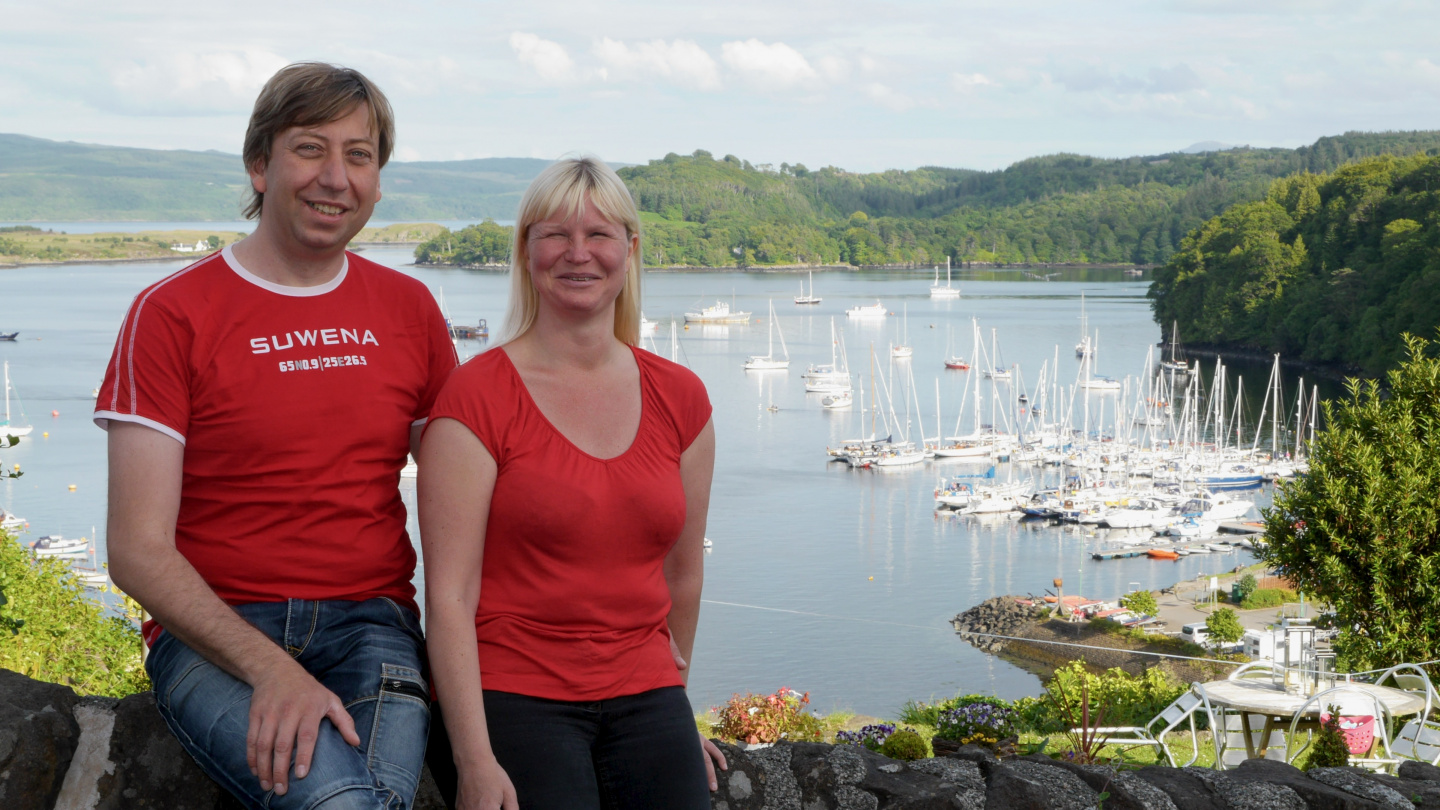 Eve and Andrus in Tobermory in Scotland