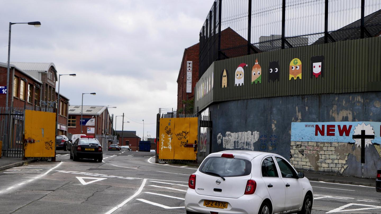 Portti Länsi-Belfastin muurissa