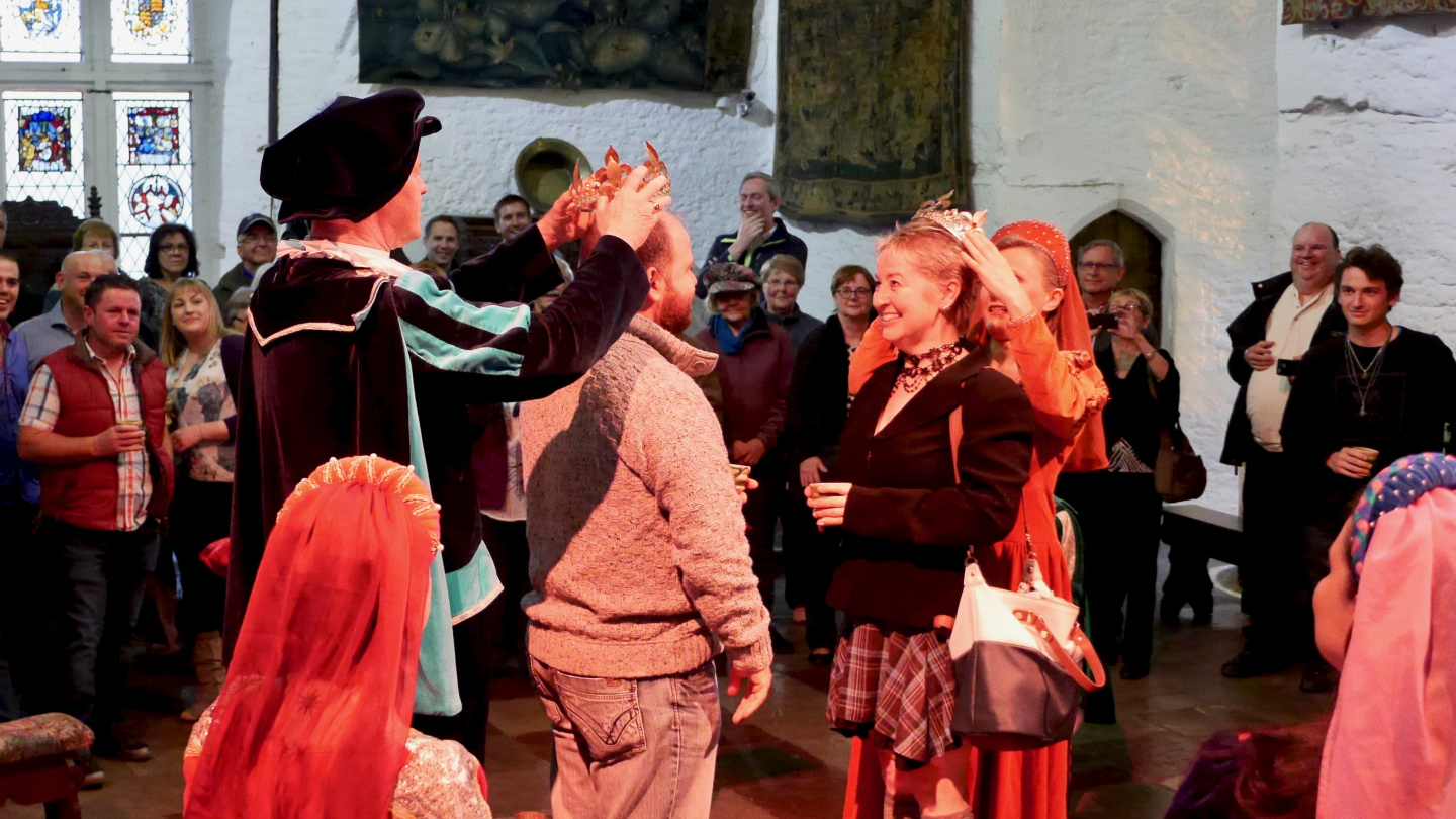 Crowning of the Earl and Lady in Bunratty Castle