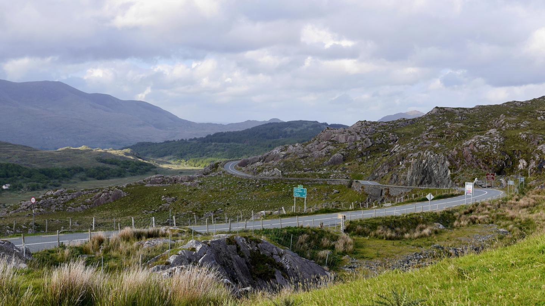 Kerryn kierroksen mutkaisilla teillä saa ajaa satasta Irlannissa