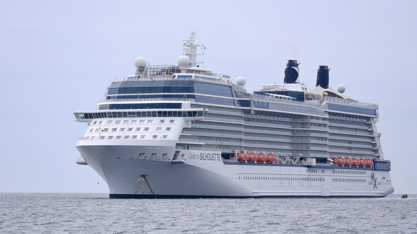 Celebrity Silhouette anchored in Ireland