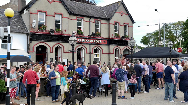Cronins Pub & Mad Fish restaurant in Crosshaven