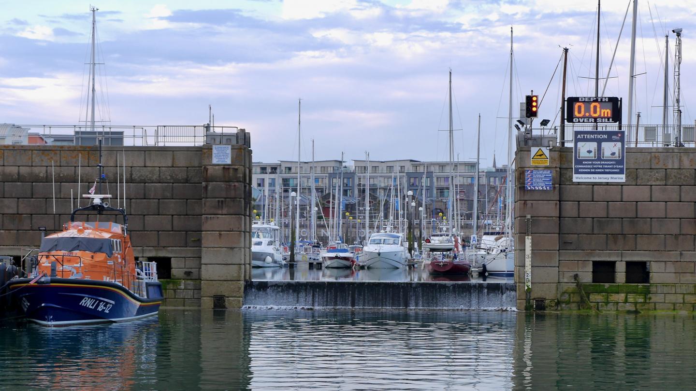 Tidal sill of Jersey marina
