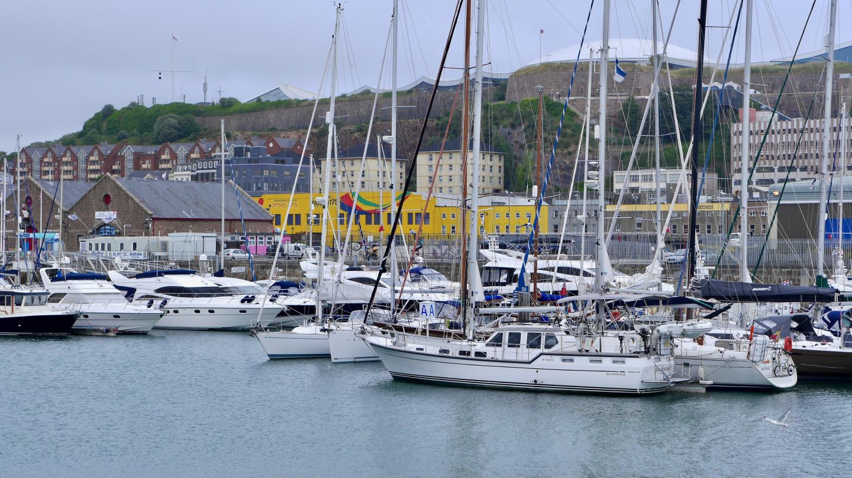 Suwena Saint Helierin marinassa Jerseyllä