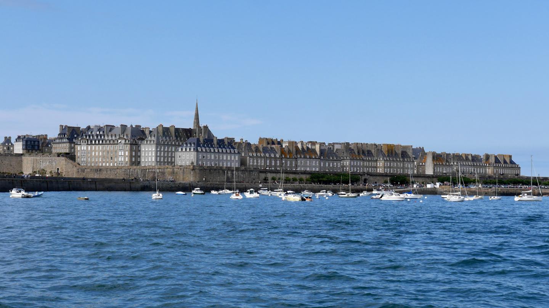 St Malon vanha kaupunki mereltä päin