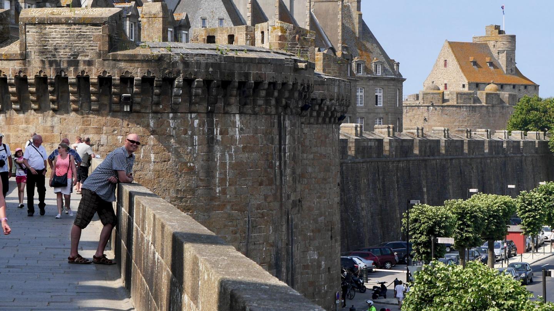 Esa St Malon kaupunginmuurilla