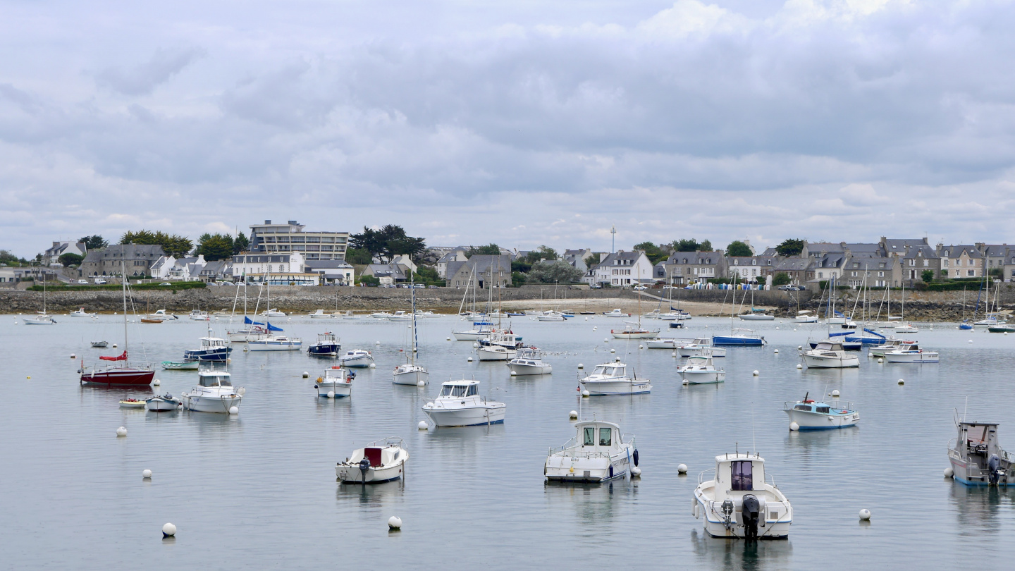 Old harbour of Roscoff in the front of the town