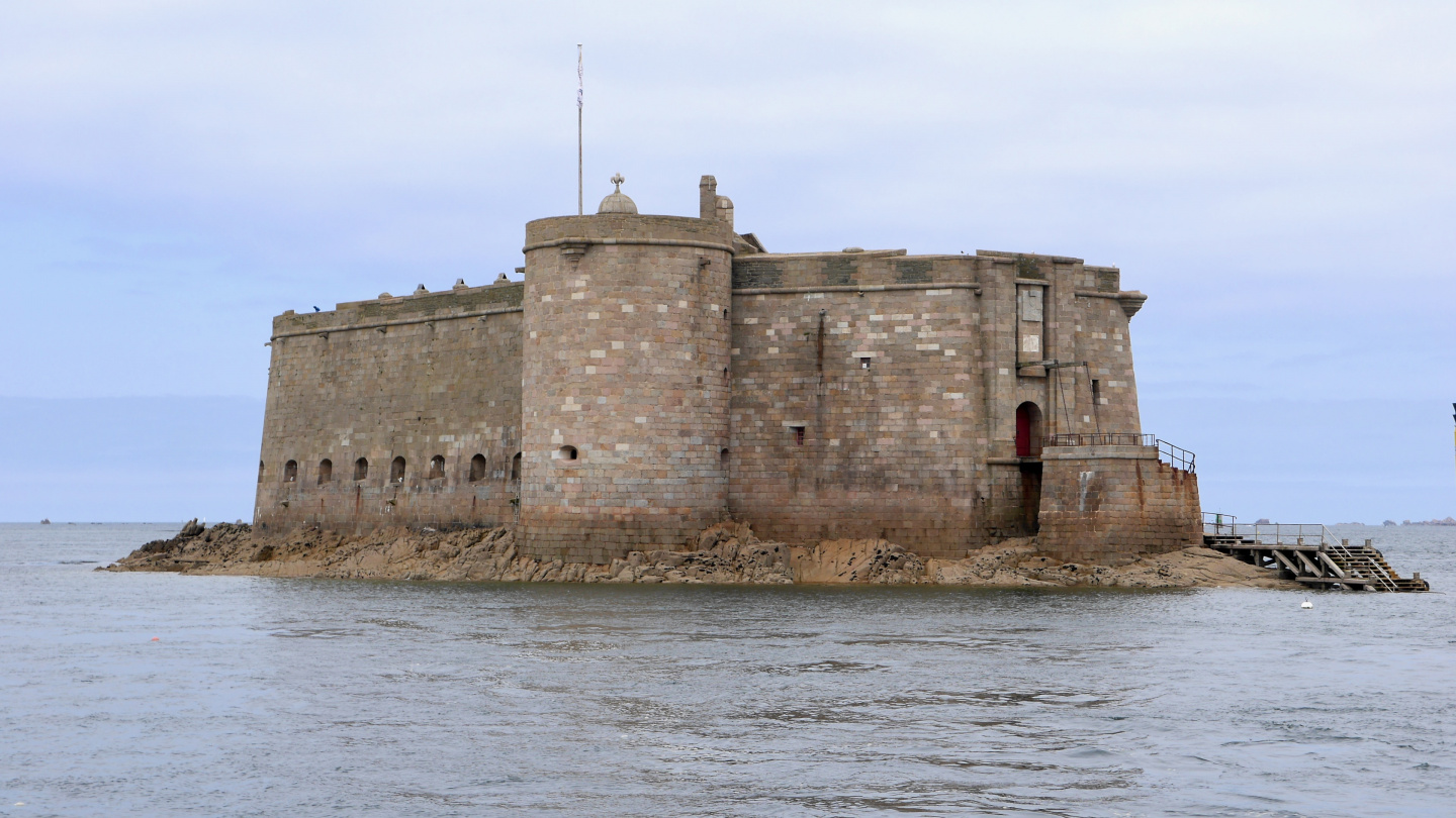 The Château du Taureau on the bay of Morlaix in Brittany